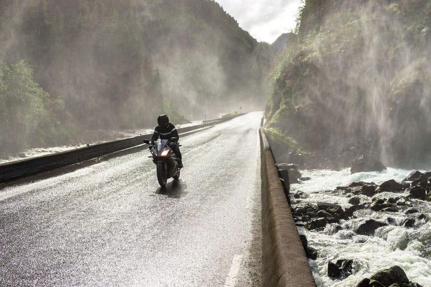 motorrad bei regen